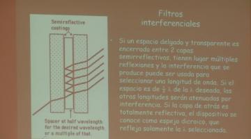 Física 2016 26 de Octubre Sobre ondas electromagnéticas, interferencia y difracción.